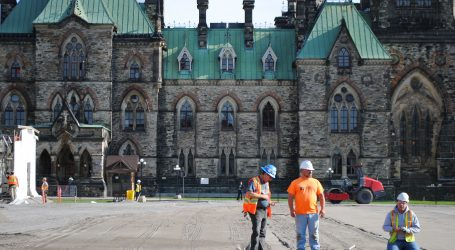Hockey, skating come to Parliament Hill