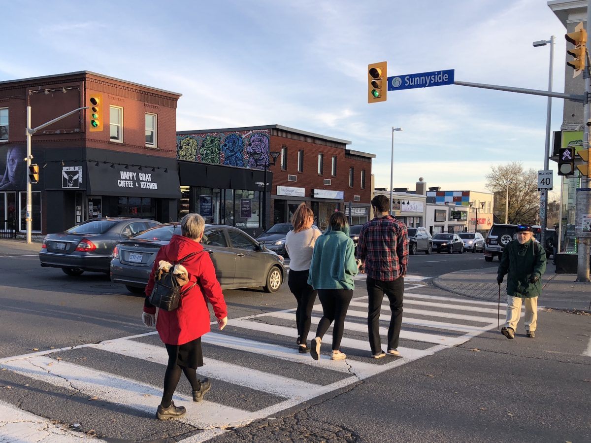 Group calls for automated pedestrian signals for Bank Street