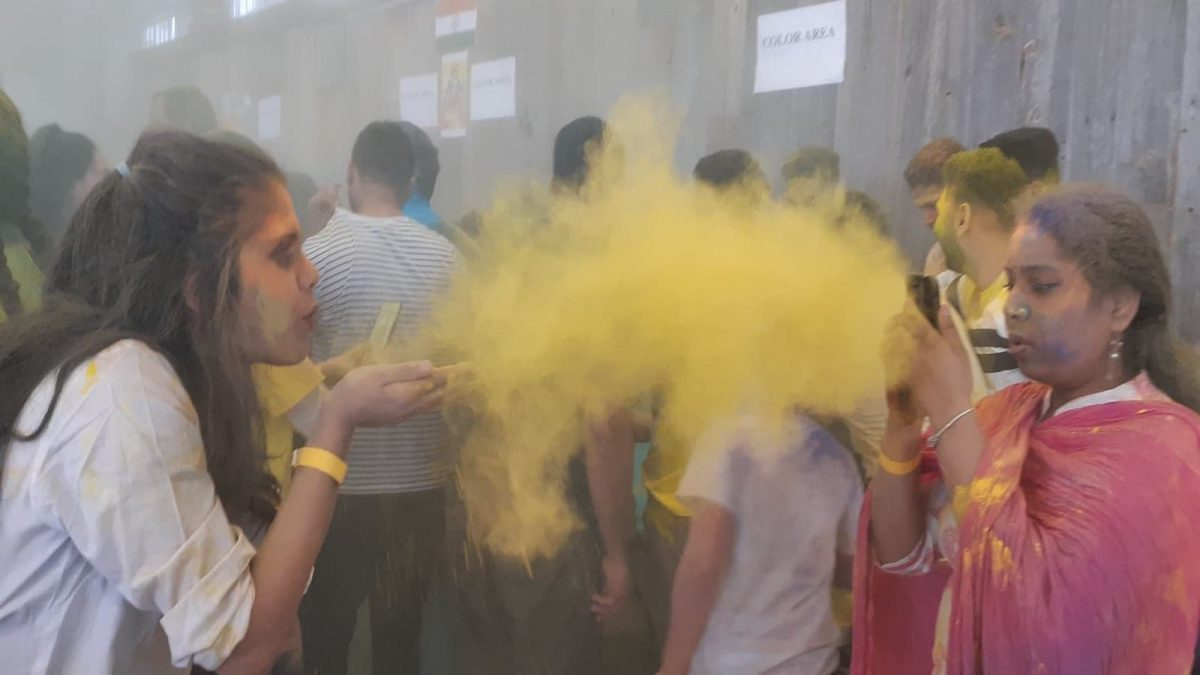 Ottawa-area students help celebrate Holi with flying colours