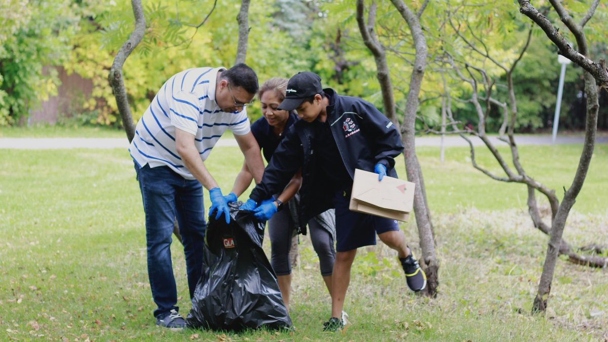 Ismaili Muslims combat stereotypes with acts of volunteerism