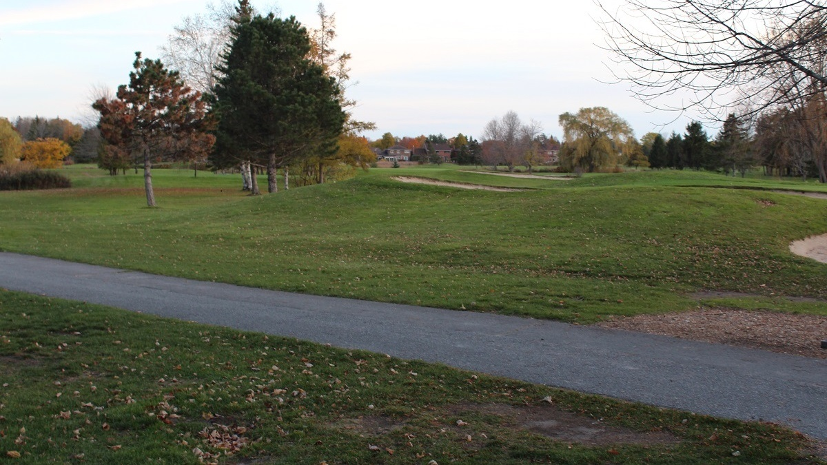 Golf Wars: Kanata's green-space feud with ClubLink hits the rough