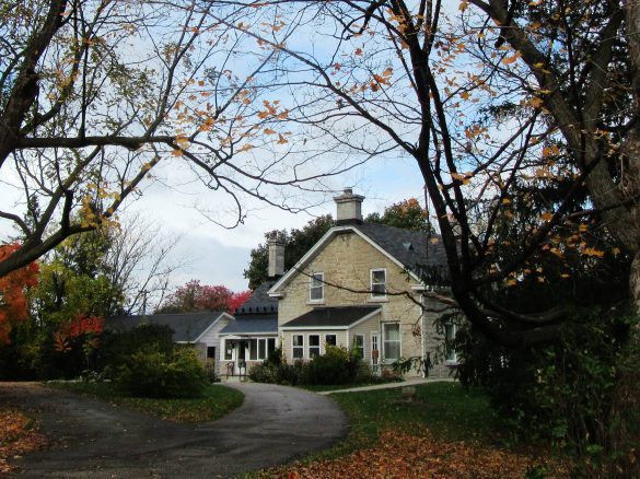 To give readers a visual of the Kilmorie House at 21 Withrow Avenue, Nepean