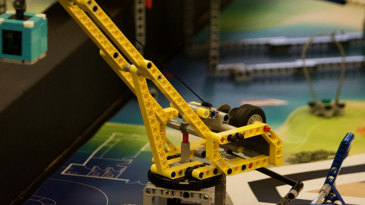 Building blocks: Carleton hosts LEGO robotics competition