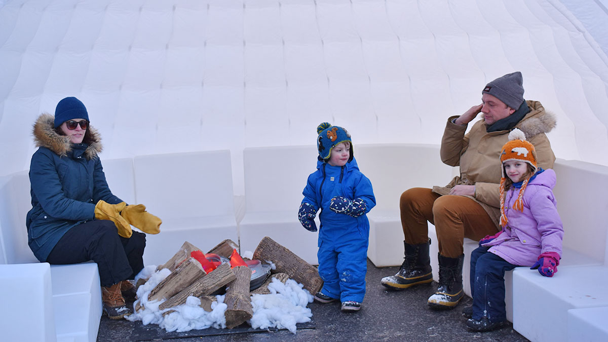 Winterlude Fire and Ice Festival transforms Bank Street on a cold day