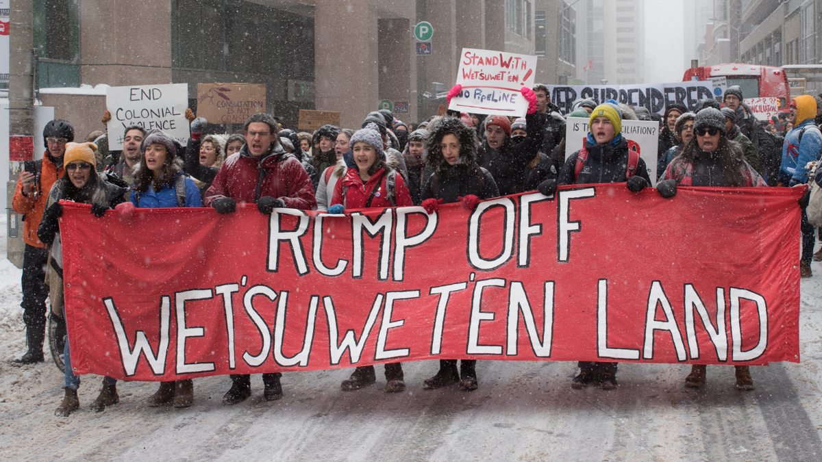 Wet'suwet'en pipeline protests extend across Canada to Ottawa