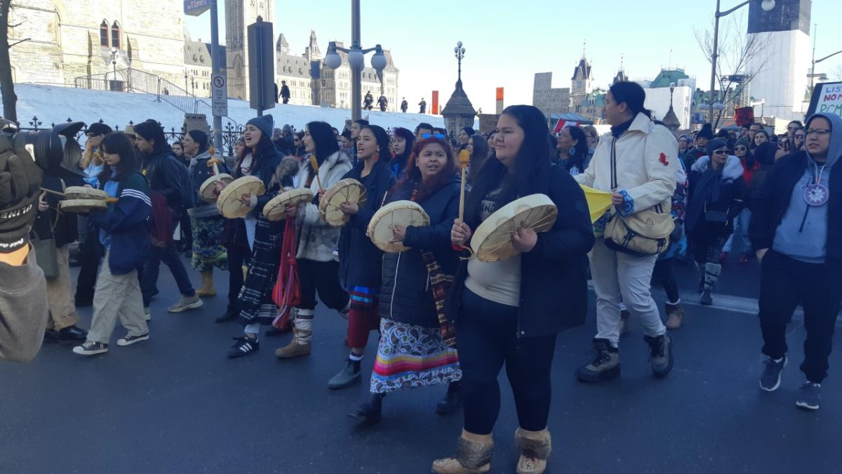 """RCMP has got go:"" Indigenous youth lead protest in support of Wet'suwet'en in downtown Ottawa"