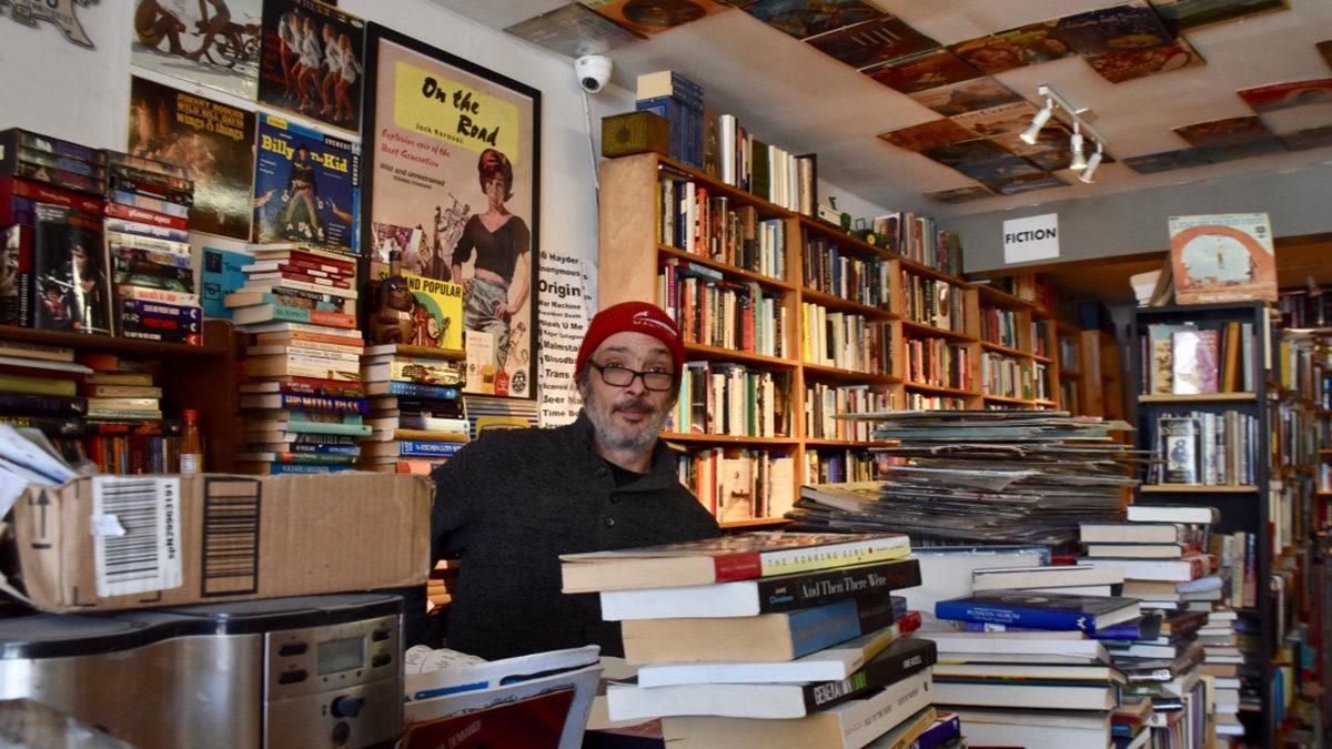 Ottawa's used book stores find ways to survive in digital market