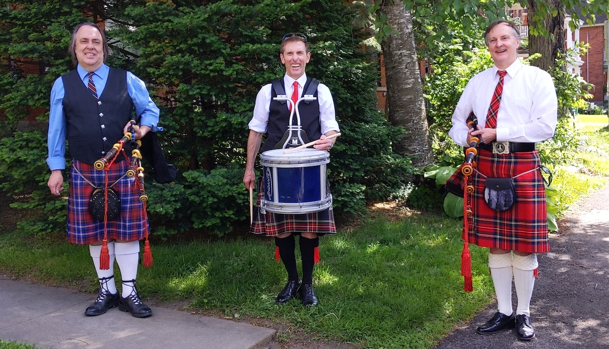 Watch: Bagpipers give seniors in the Glebe reason to dance