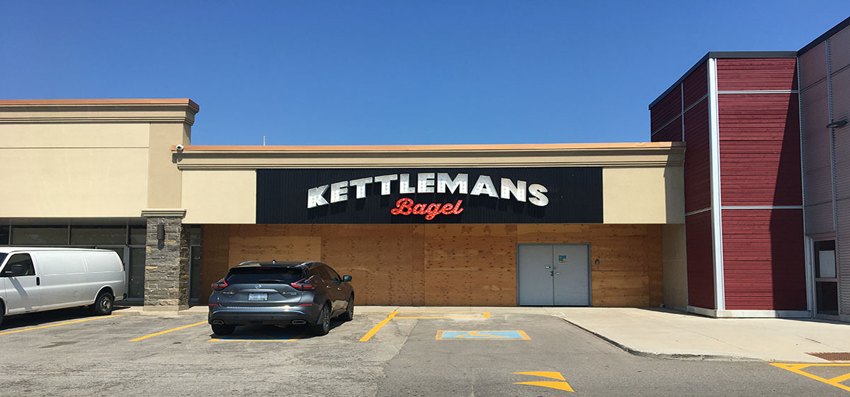 Kettleman's rolling their bagels down Highway 401 to open Toronto location