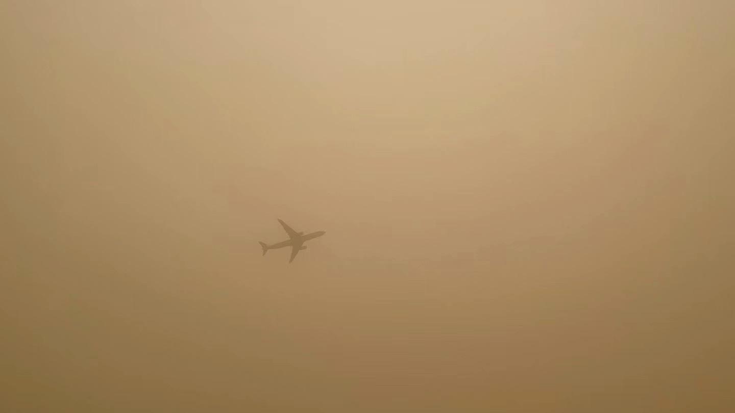 Severe sandstorm creates crisis for residents in northern China