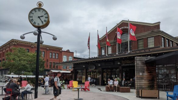Photo of courtyard outside of ByWard Market on a busy, overcast day